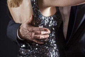 fordelene ved at danse en græsk mand